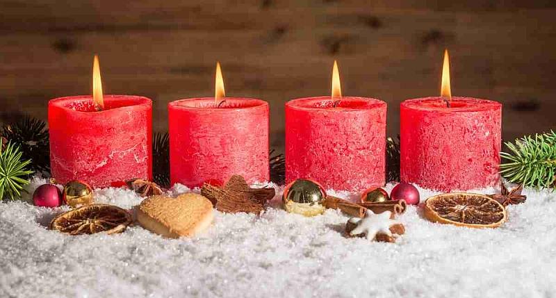 Weihnachtskarte Frohe Weihnachten in verschiedenen Sprachen